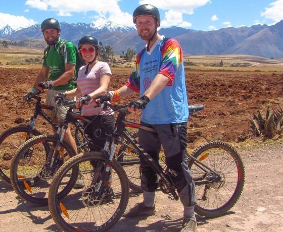 bike-the-inca-ruins-of-cusco- Amazonas- Explorer