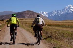 Mountain biking maras mora