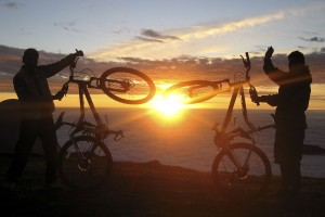 Mountain biking in Peru with the double sunrise at Tres Cruces