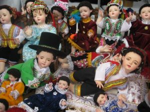 nino manuelito figures sold at christmas in peru
