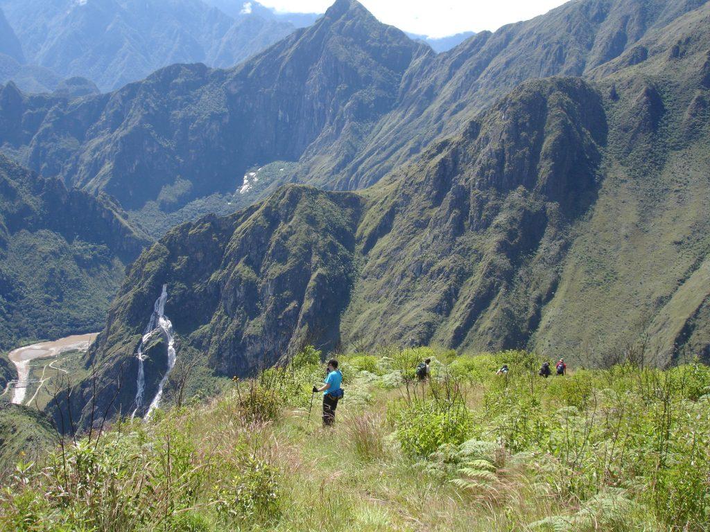 mountain scenery salkantay trek